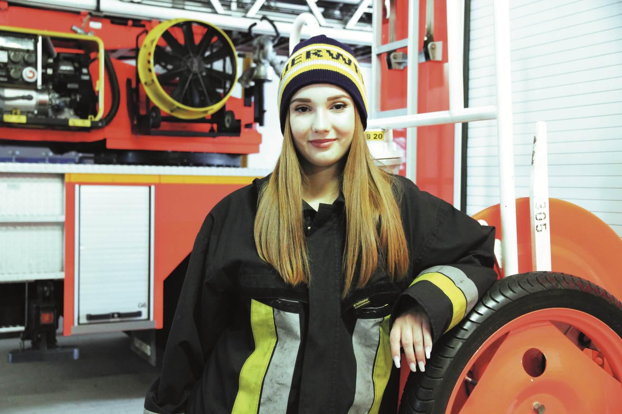 Sicherheit am silbernen Faden <br>Feuerwehrmützen mit Reflexgarn