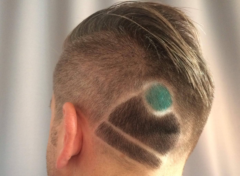 Morgens MÜTZ-HAIR-IA. <br>Abends kölsche Mötz.
