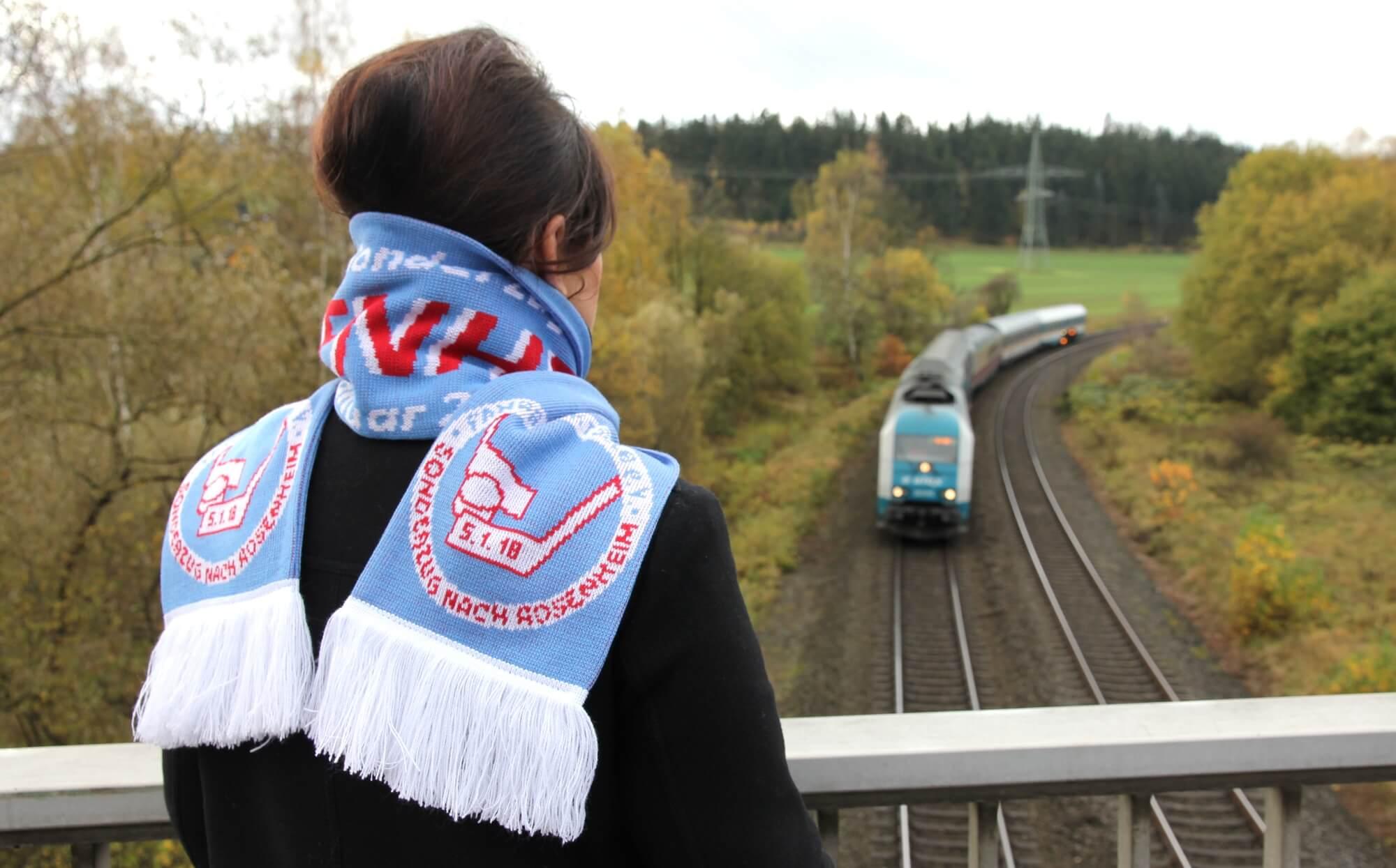 Textile Zugbegleiter <br> Fanartikel zum Wölfe-Starbulls-Express