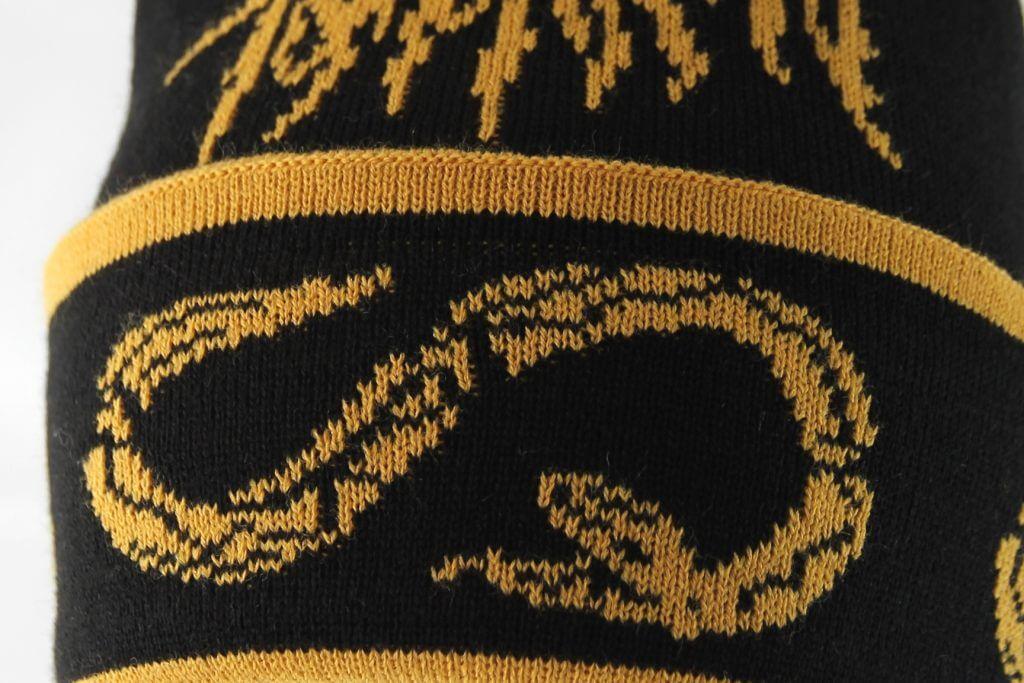Mütze mit Schlaneg und Bandlogo