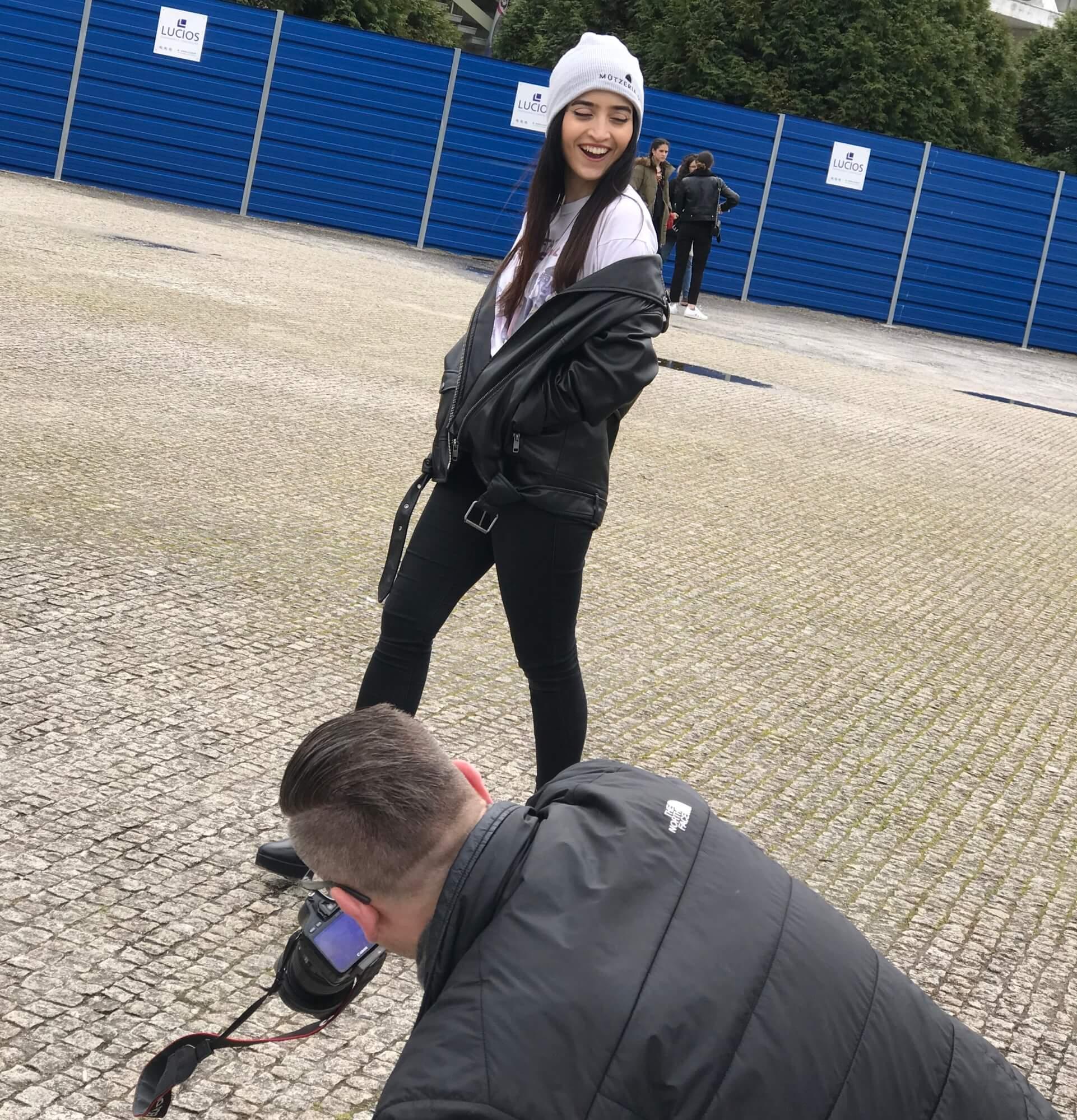 Model lacht Fotograf Porto