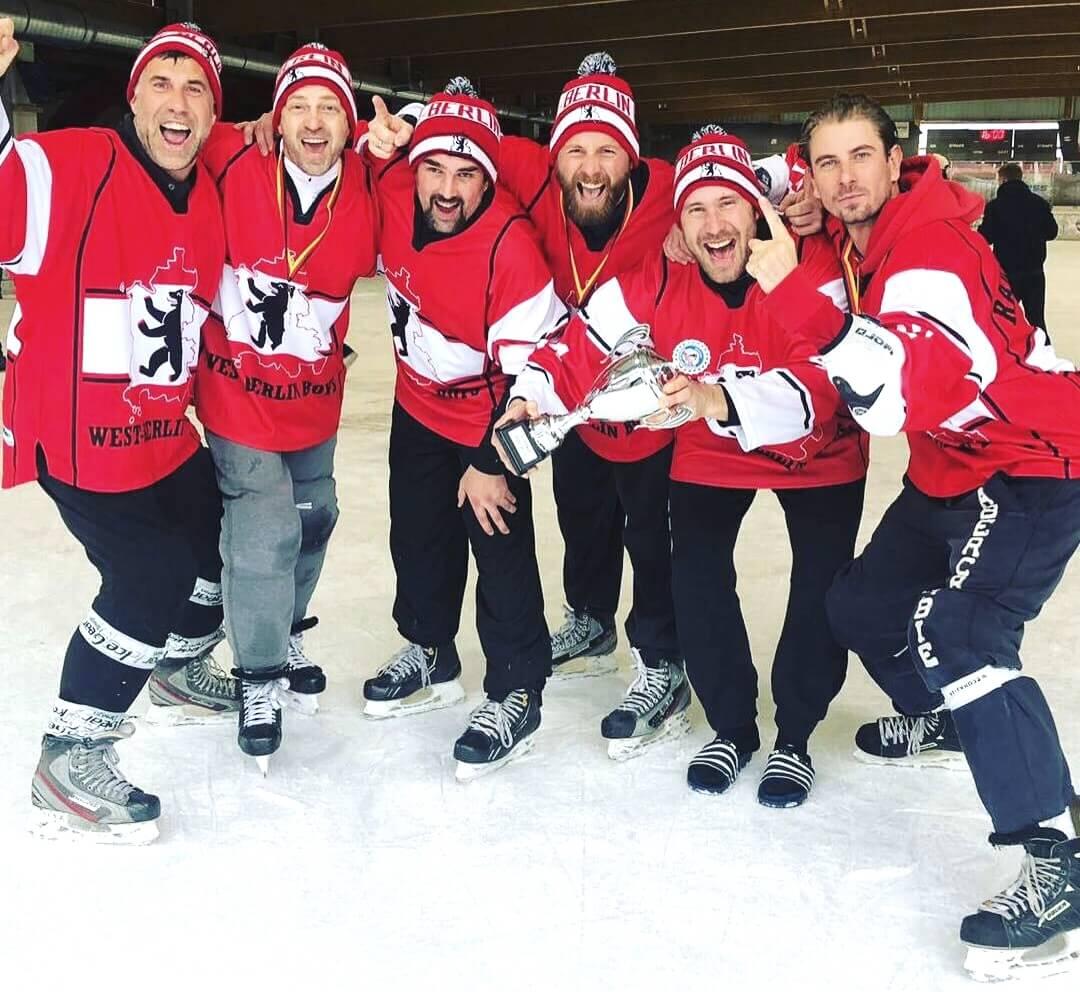2. Deutsche Pondhockey Meisterschaft <br>MÜTZERIA macht Meister-Mützen