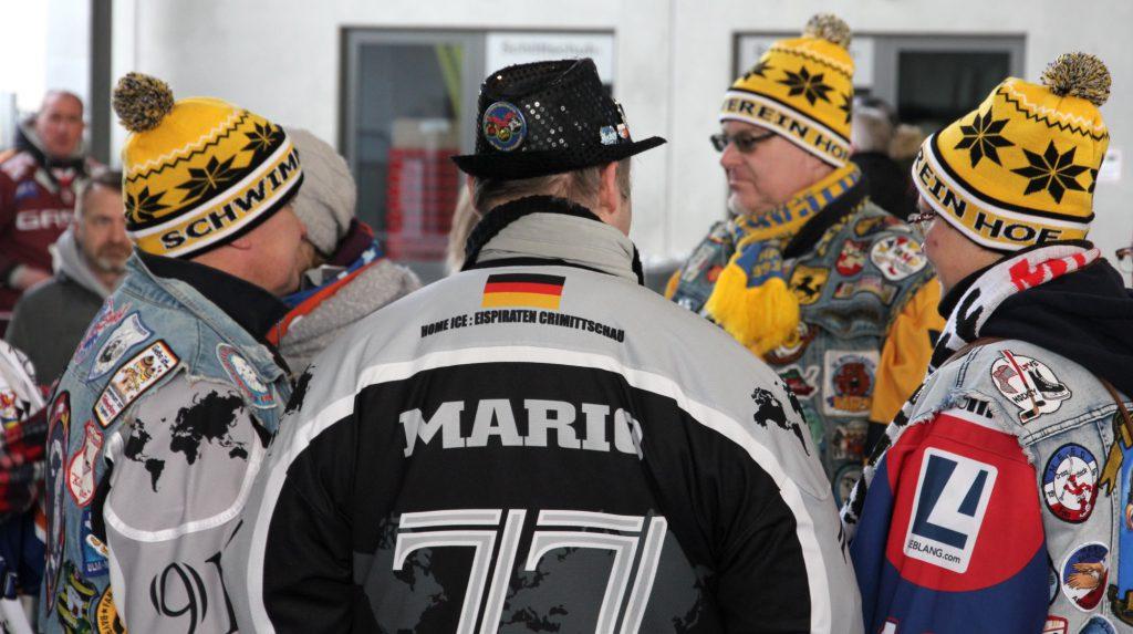 Eishockey-Fans Mützen Schwimmverein Hof
